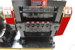 input holes of YC6-14 straightening machine