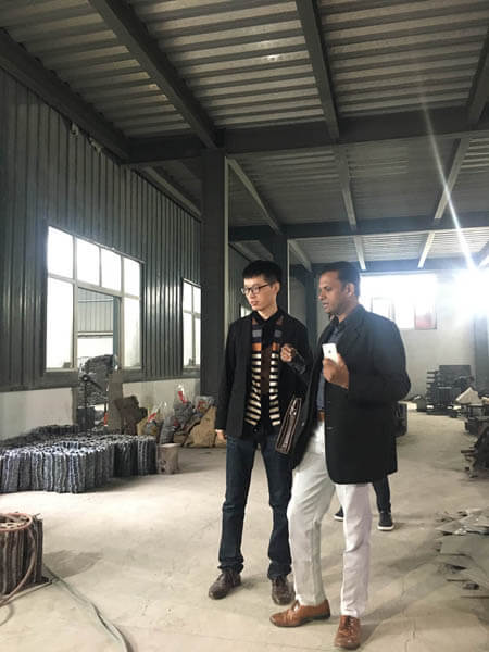 customers visit Shuanglong Machinery 11