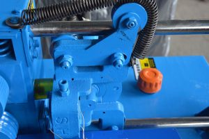 dynamic hydraulic cutting device of GT5-14C wire rod straightening and cutting machine