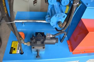 hydraulic cutting device of GT4-14D automatic rebar straightening and cutting machine